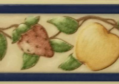 Cenefa cerámica de frutas