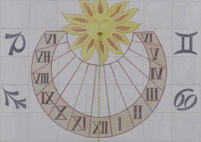 Reloj de sol en cerámica con signos zodíaco